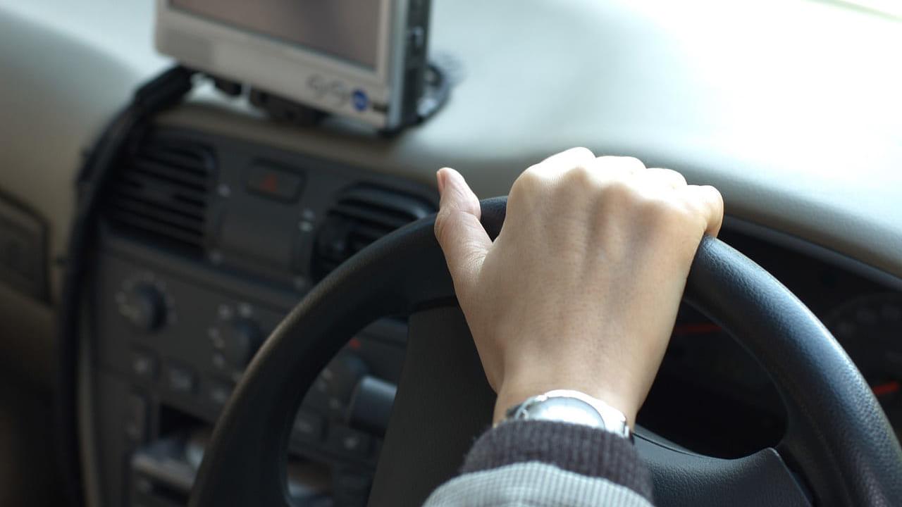 車の運転イメージ